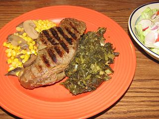Click image for larger version  Name:NY Strip, Collards, Corn & 'shrooms.jpg Views:23 Size:81.3 KB ID:41414