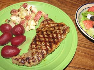 Click image for larger version  Name:NY Strip, Roasted Reds.jpg Views:19 Size:81.9 KB ID:42250