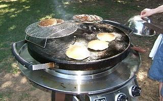 Click image for larger version  Name:ZZ GRILLING3.jpg Views:1067 Size:104.5 KB ID:4245