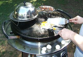 Click image for larger version  Name:ZZ GRILLING5.jpg Views:2028 Size:111.2 KB ID:4247