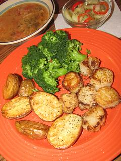 Click image for larger version  Name:Scallops, Crab Soup.jpg Views:24 Size:48.3 KB ID:43041