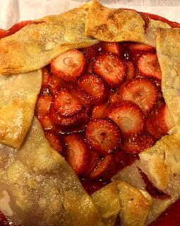 Click image for larger version  Name:strawberry_crostata_011521_2_IMG_7593.jpg Views:139 Size:52.1 KB ID:45020