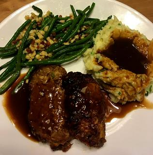Click image for larger version  Name:meatloaf_beans_013021_IMG_7665.jpg Views:19 Size:54.3 KB ID:45325