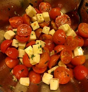 Click image for larger version  Name:tomato_salad_020521_IMG_7728.jpg Views:10 Size:53.5 KB ID:45426