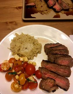 Click image for larger version  Name:steak_041021_IMG_7972.jpg Views:42 Size:40.3 KB ID:46287