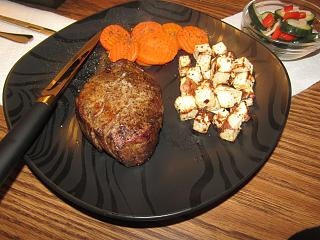 Click image for larger version  Name:Filet Mignon, Roasted Turnips.jpg Views:15 Size:81.6 KB ID:46991