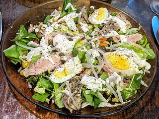 Click image for larger version  Name:Salad with egg, chicken, and chèvre, Linda small.jpg Views:10 Size:179.9 KB ID:47189