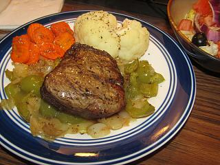 Click image for larger version  Name:Filet Mignon, Peppers & Onions.jpg Views:22 Size:79.3 KB ID:47225