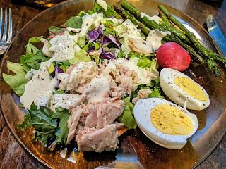Click image for larger version  Name:Salad with tuna and asparagus, etc. Linda.jpg Views:7 Size:154.7 KB ID:47299