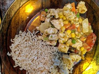 Click image for larger version  Name:Chicken and vegi stir fry with Thai chili coconut sauce and brown rice.jpg Views:13 Size:151.3 KB ID:47324