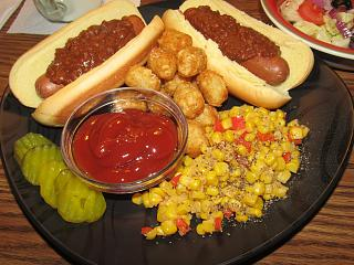 Click image for larger version  Name:Chili Dogs....jpg Views:31 Size:80.2 KB ID:47344