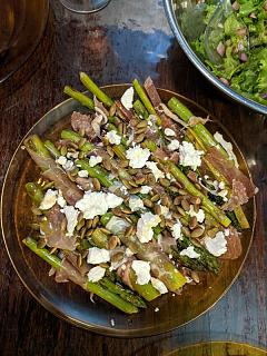 Click image for larger version  Name:Asparagus with prosciutto, lonzo, chèvre, pumpkin seeds, honey, and EVOO and a leafy salad with .jpg Views:13 Size:60.5 KB ID:47384