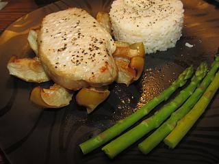 Click image for larger version  Name:Pork loin Chop over Baked Granny smith.jpg Views:25 Size:56.6 KB ID:47850