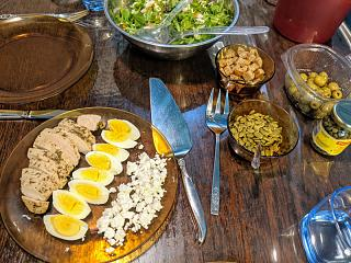 Click image for larger version  Name:Chicken, feta, and eggs salad, ready to plate.jpg Views:17 Size:95.0 KB ID:47994