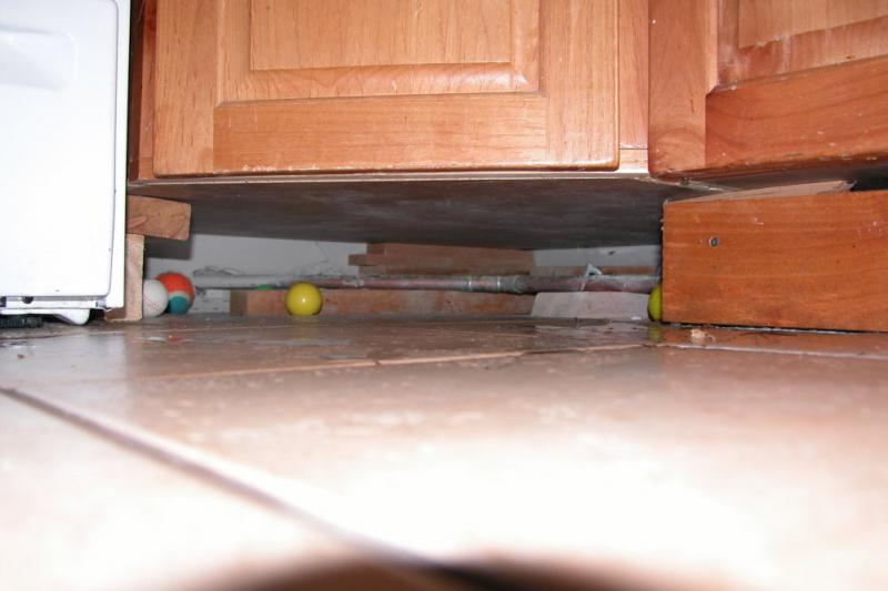 Click image for larger version  Name:broken cupboard.jpg Views:125 Size:39.4 KB ID:4841