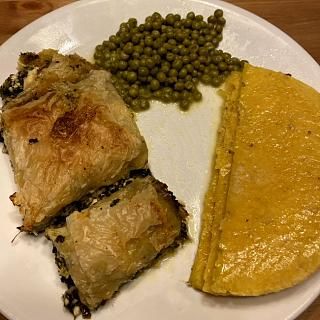 Click image for larger version  Name:spinach_pie_arepa_peas_082921_IMG_8523.jpg Views:10 Size:55.1 KB ID:48532