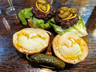 Click image for larger version  Name:Grlled Angus burgers on sesame seed kaiser buns.jpg Views:13 Size:185.3 KB ID:48576