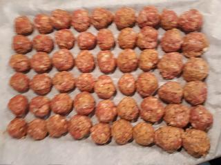 Click image for larger version  Name:matballs uncooked2.jpg Views:35 Size:56.5 KB ID:48586