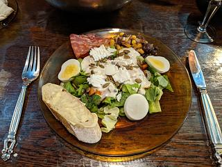 Click image for larger version  Name:Salad with eggs and chèvre, Stirling's plate.jpg Views:11 Size:132.4 KB ID:48688