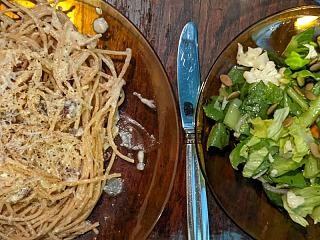 Click image for larger version  Name:Spaghetti carbonara and a salad.jpg Views:14 Size:138.3 KB ID:48700