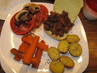 Click image for larger version  Name:Beef BBQ Sandwich .jpg Views:28 Size:67.5 KB ID:48822