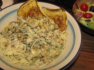 Click image for larger version  Name:Spaghetti with Clams.jpg Views:26 Size:78.6 KB ID:48849