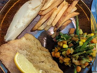 Click image for larger version  Name:Breaded haddock, oven fries, leftover baked ptoato, and vegis with green masala.jpg Views:12 Size:131.5 KB ID:49035