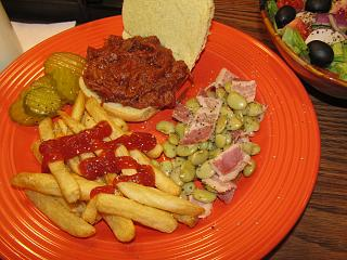 Click image for larger version  Name:Sandwich , Pulled Pork.jpg Views:23 Size:78.5 KB ID:49070