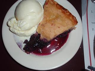 Click image for larger version  Name:Maine Wild Blueberry Pie 1.jpg Views:134 Size:46.1 KB ID:5389