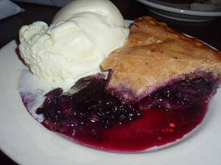 Click image for larger version  Name:Maine Wild Blueberry Pie 2.jpg Views:122 Size:48.3 KB ID:5390