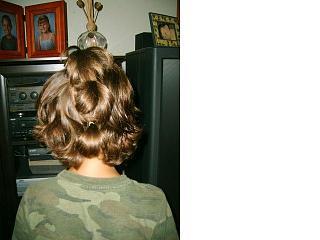 Click image for larger version  Name:Andrew and Hannah Hair 16.jpg Views:92 Size:32.8 KB ID:5562