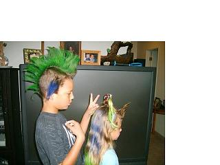 Click image for larger version  Name:Andrew and Hannah Hair 8.jpg Views:103 Size:30.6 KB ID:5567
