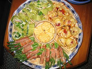 Click image for larger version  Name:Bahas, creamy brie kisses, proscitto-asparagus.JPG Views:170 Size:158.9 KB ID:673