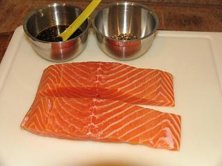 Click image for larger version  Name:Salmon in Pepper Crust #1.jpg Views:238 Size:47.1 KB ID:7508