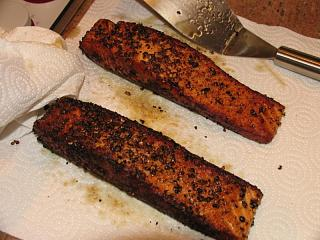Click image for larger version  Name:Salmon in Pepper Crust #6.jpg Views:213 Size:78.2 KB ID:7513