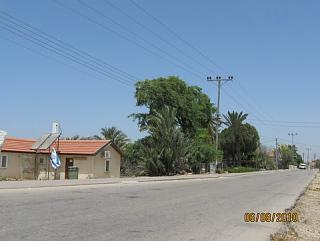 Click image for larger version  Name:View up road.jpg Views:95 Size:34.6 KB ID:8390