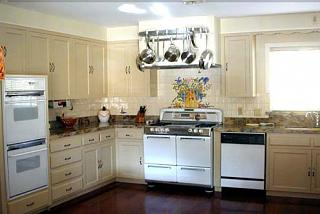 Click image for larger version  Name:kitchencrop copy2.jpg Views:177 Size:49.7 KB ID:909
